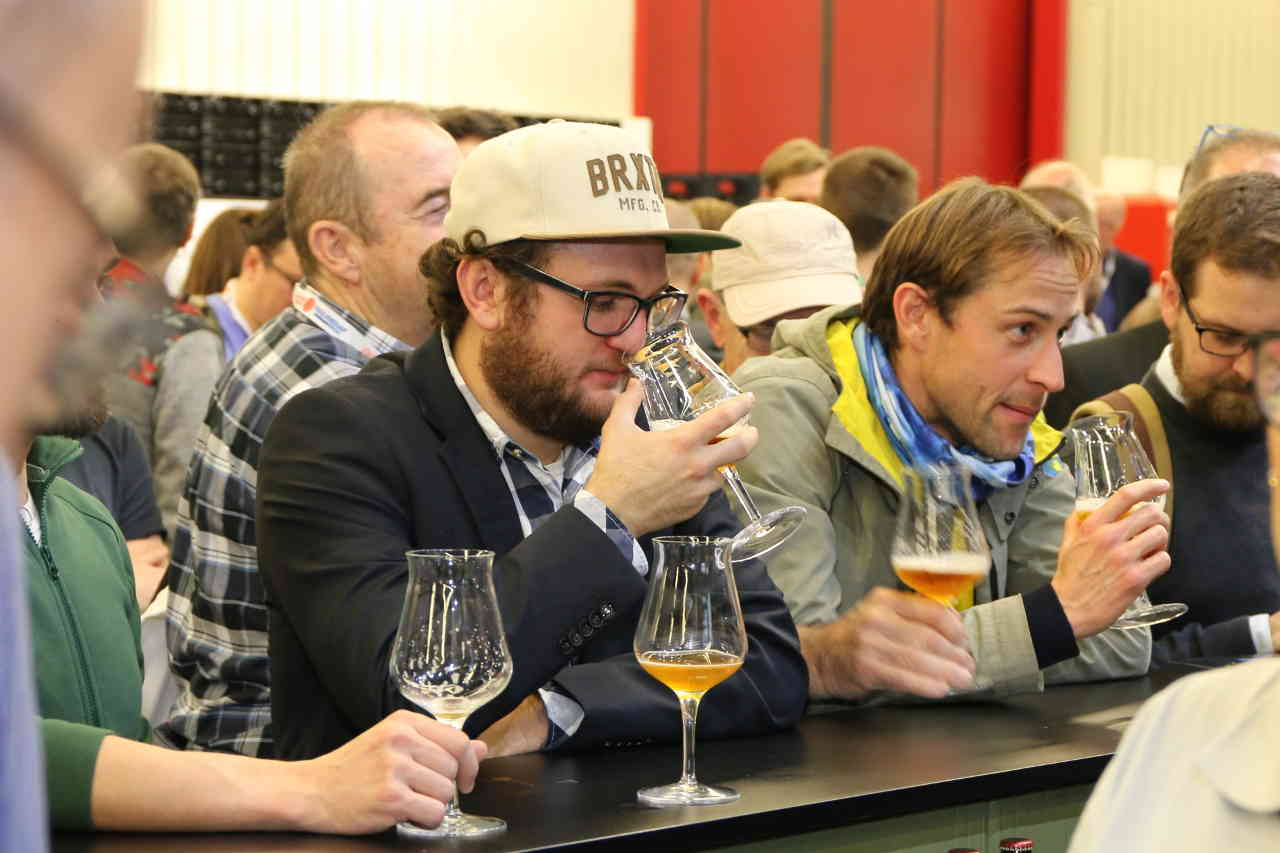 Bier-Tasting in der Craft Beer Area